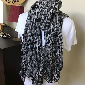 Coldwater creek scarf.